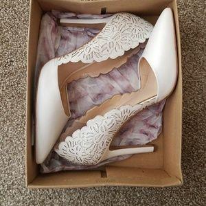 Powder sleek heels